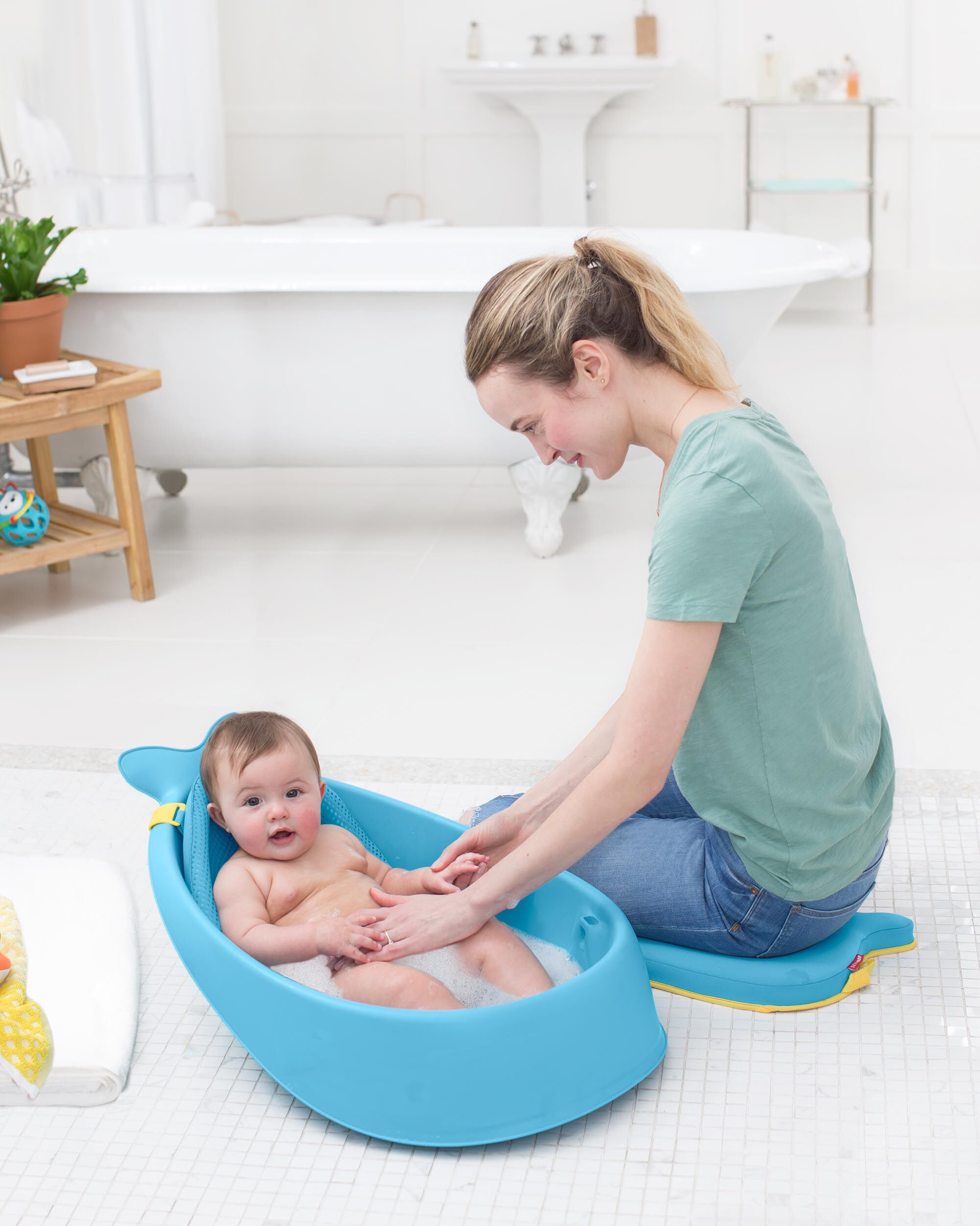 Baby Neutral Moby Smart Sling 3-Stage Tub | Skiphop.com
